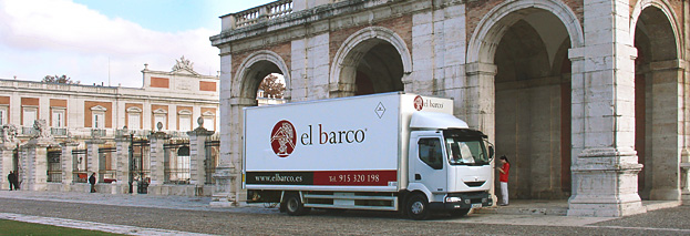 Truck transport of works of art of the company El Barco