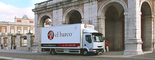 Truck equipped for the transportation of works of art - El Barco